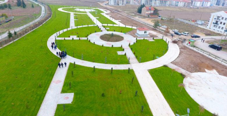 Doğal yapı bozulmadan 52 bin metrekare alan üzerine park yapılıyor