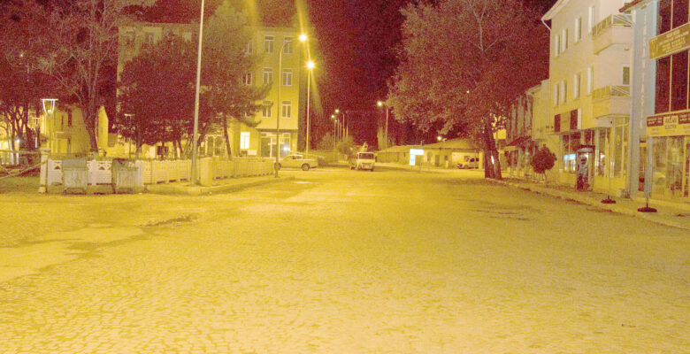 56 saatlik kısıtlamanın başlamasıyla sokaktaki vatandaşlara işlem yapıldı
