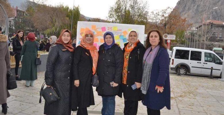 'Kadına şiddet insanlık dışı bir tavır ve bir hak ihlalidir'