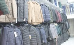 Kışlık kıyafetler, raflarda yerini aldı