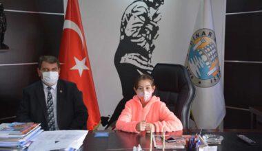 Matematik Yarışması Dünya 1'incisi Ferra Bozbaş Başkan Sarı'yı ziyaret etti