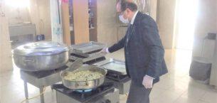 Sandıklı Belediyesi 6 yıldır üç çeşit sıcak yemek dağıtıyor