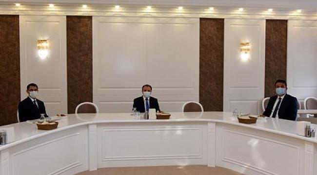 Büyükelçi Amanlıyev'den Rektör Karakaş'a ziyaret