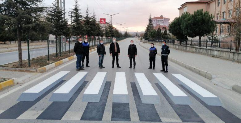 Simav Belediyesi'nden 3 boyutlu yaya geçidi çalışması
