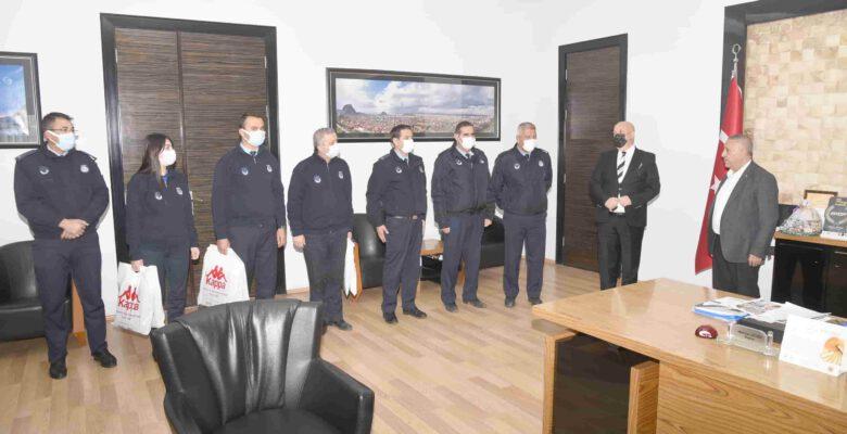 Başkan Zeybek'ten Zabıta Teşkilatına jest