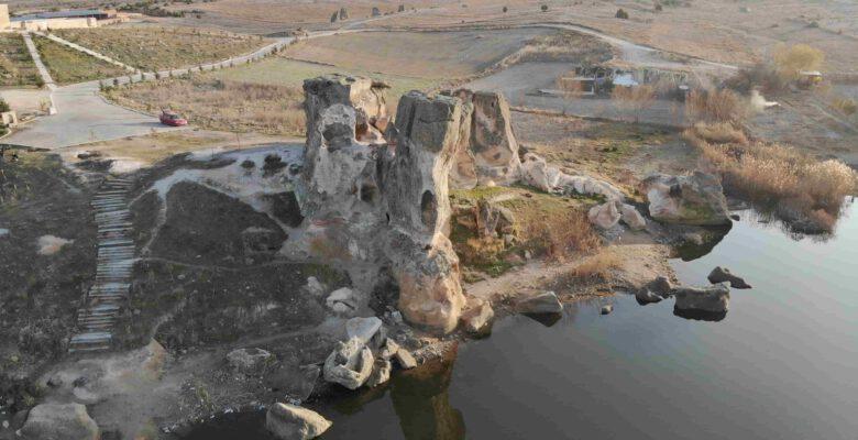 Frigya'da ki Emre Gölü, 'Kapadokya' olma yolunda