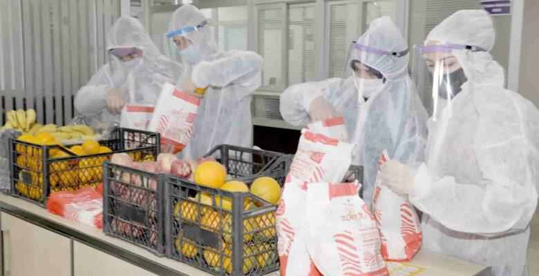 Afyonkarahisar'da karantinadaki ihtiyaç sahibi ailelere meyve dağıtımı sürüyor