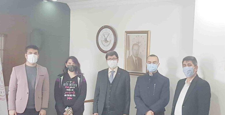 Yalçın, Türkiye ikincisi olan öğretmen ve öğrencilerle görüştü