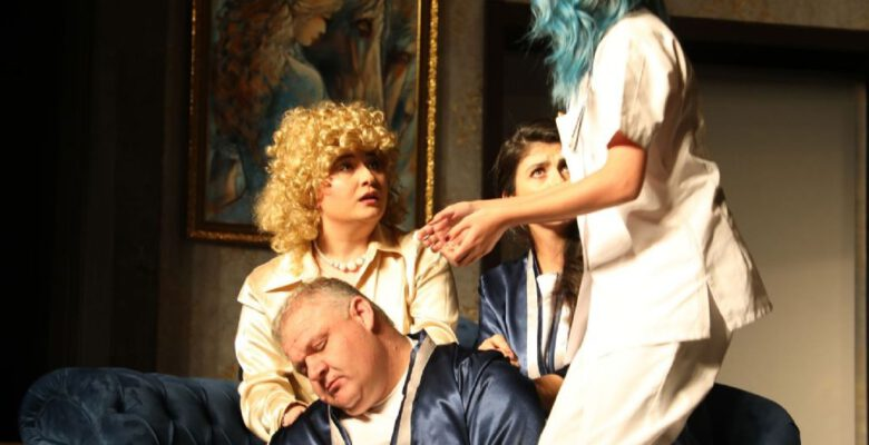 Şehir tiyatrosu oyuncularının büyük başarısı