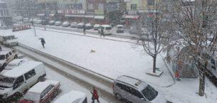 Şuhut kar yağışıyla beyaza büründü