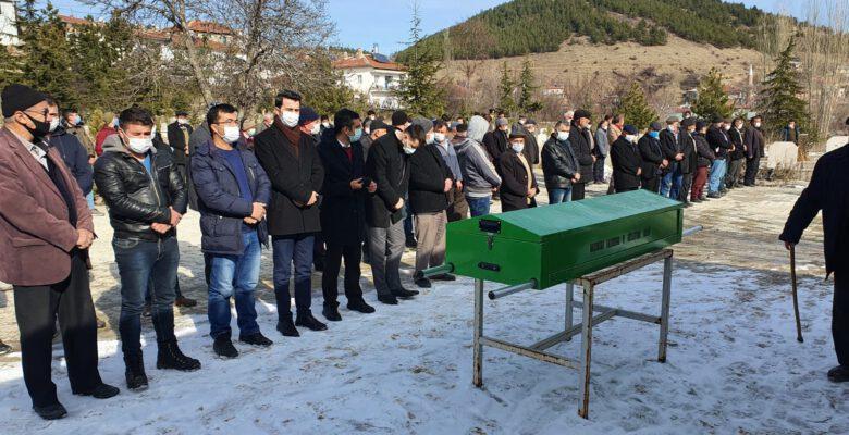 Vefat eden şehit annesi son yolcuğuna uğurlandı