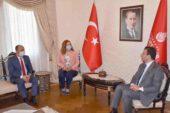 İmamoğlu'ndan, Dazkırı Belediyesi'ne araç desteği