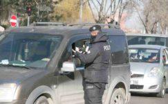 Polis ekipleri kısıtlamada yoğun mesai harcıyor