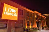 New York'taki 'Stop Erdoğan'a Sandıklı'dan 'Love Erdoğan'lı cevap