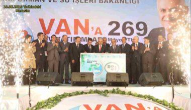 """Eroğlu, """"Van'ın incisini yatırımlara boğduk"""""""