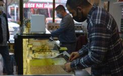Sandıklı'da iftar sofralarının vazgeçilmez lezzeti 'Soğuk baklava'