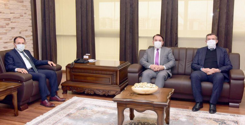 TMO Daire Başkanı Apaydın'dan Rektör Karakaş'a Ziyaret
