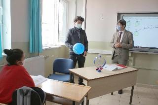 Yalçın, Neriman – İbrahim Küçükkurt Ortaokulunu ziyaret etti