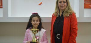 Matematikte 4 dünya birinciliği Elif Zeynep'ten
