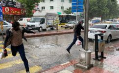 Afyonkarahisar'da sağanak yağış etkili oldu