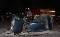 Kavşakta iki otomobil çarpıştı: 1 ağır yaralı