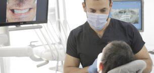 Diş implantları sizin gülümseme koruyucularınız