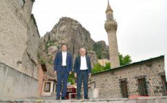 Uşak Belediye Başkanı Çakın'dan Afyonkarahisar'a övgü