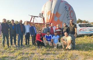 3 bin yıllık vadiyi sıcak hava balonuyla keşfettiler