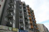 17 yaşındaki genç kız, apartmanın 7. katından düşerek ağır yaralandı