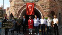 AK Parti heyeti esnafları ziyaret ediyor