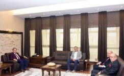 Hilton Yöneticilerinden Rektör Karakaş'a Ziyaret