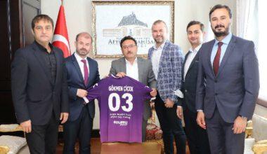 Voleybol yöneticilerinden Başkan Zeybek'e ziyaret
