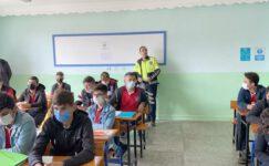 Bolvadin'de lise öğrencilerine trafik eğitimi