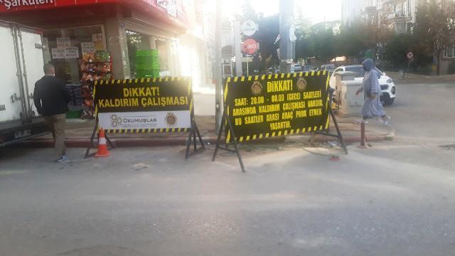 Afyonkarahisar Belediyesi'nden gece kaldırım düzenlemesi